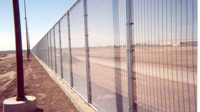 Bidders on US-Mexico Border Wall Offer Different Ideas