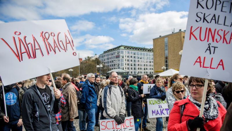 Earth Day: European Scientists Stage Protest March Against Reduced Budgets