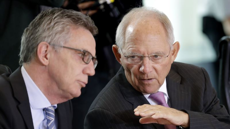 Cash Must Stay, Even In Digital Age, Says German Economy Minister