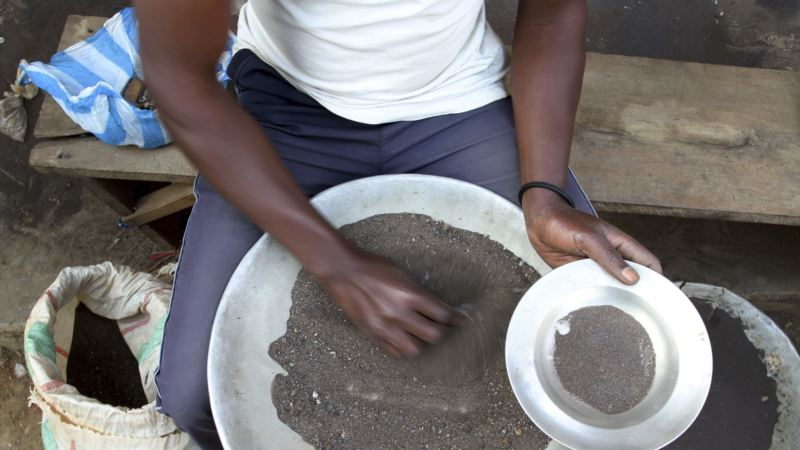 Study: Tech Firms Must Go Beyond Congo's 'Conflict Minerals' to Clean Supply Chain