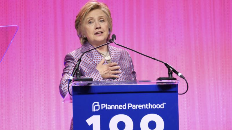 Stars Turn Out for Planned Parenthood Gala Honoring Clinton