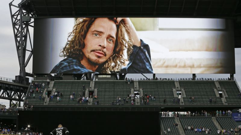 Family of Musician Chris Cornell Disputes He Killed Himself