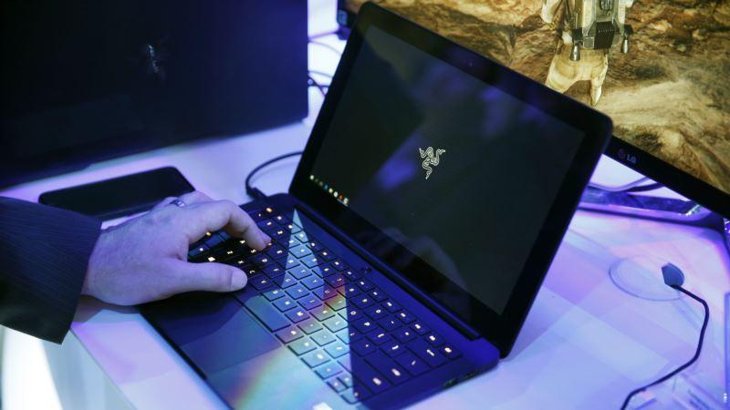 US Considering Laptop Ban on All International Flights
