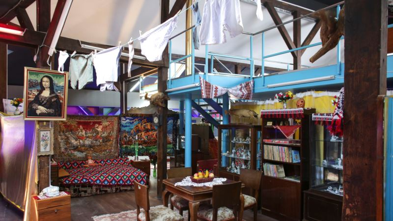Romanian Museum Celebrates Creativity of Kitsch