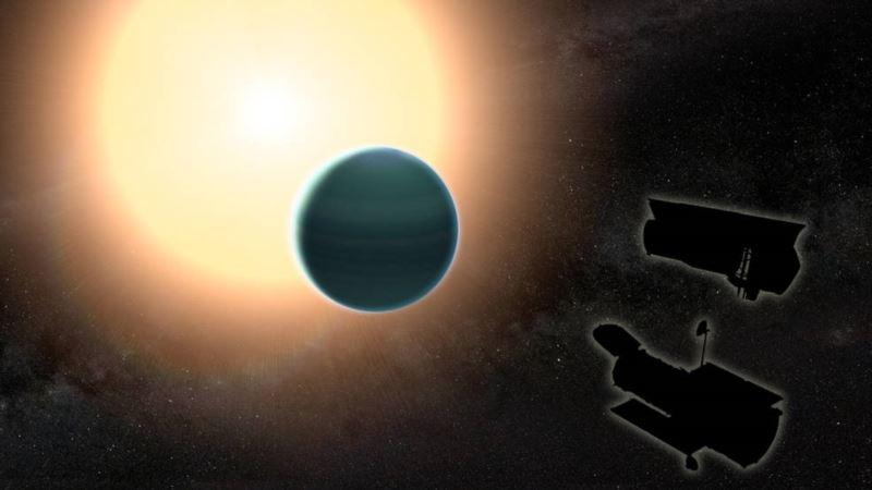 Strange Exoplanet Bucks Planet Formation Trends