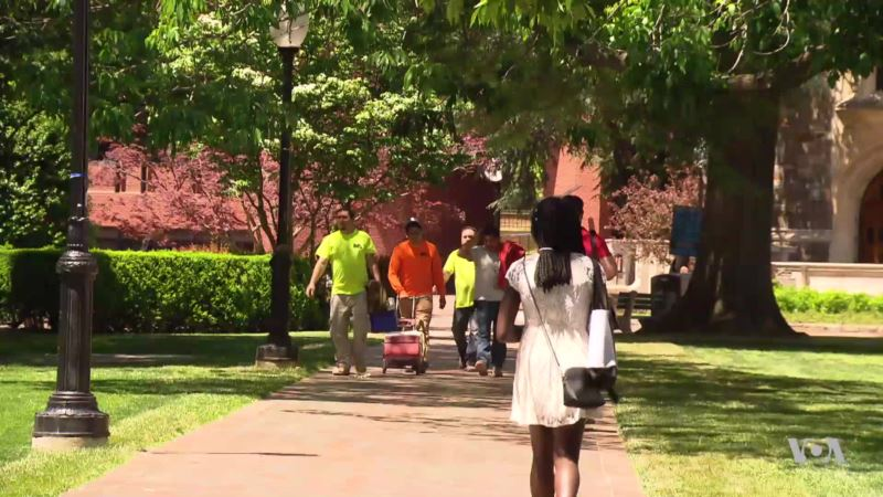 Job Prospects for 2017 College Grads, Best in More Than a Decade