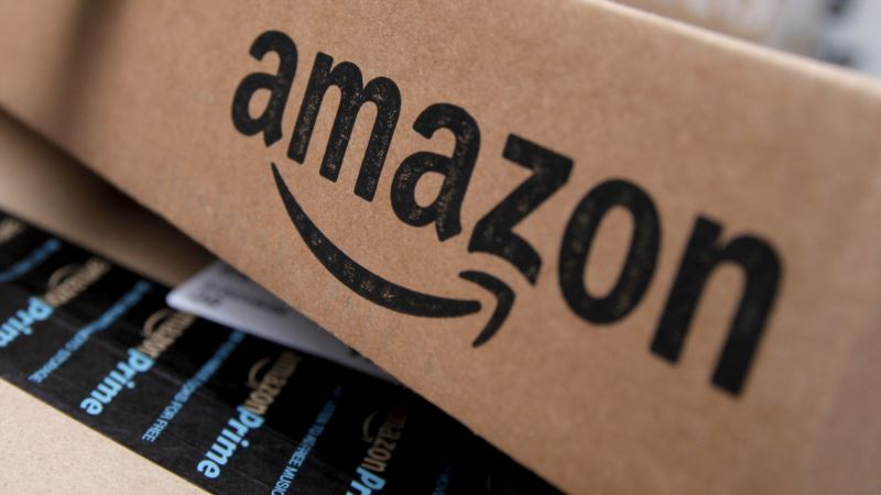 Amazon Trounces Rivals in Battle of the Shopping 'Bots'