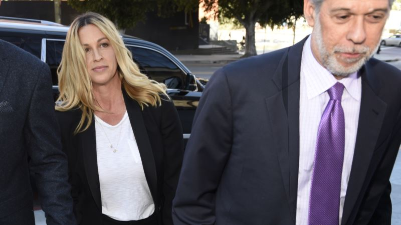 Alanis Morissette's Ex-Manager Gets 6 Years in Jail for Stealing $7M