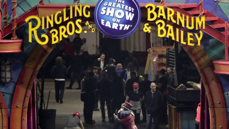 Iconic American Circus Performs Last Show on Sunday