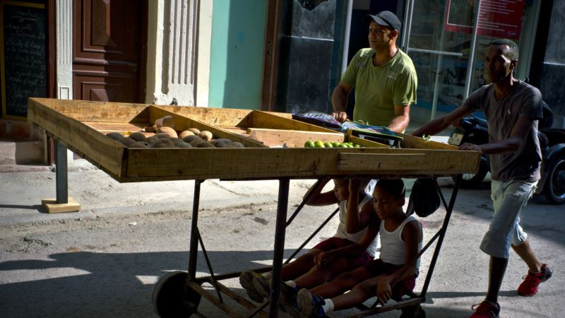 Cuban Entrepreneurs Start First Private Business Group
