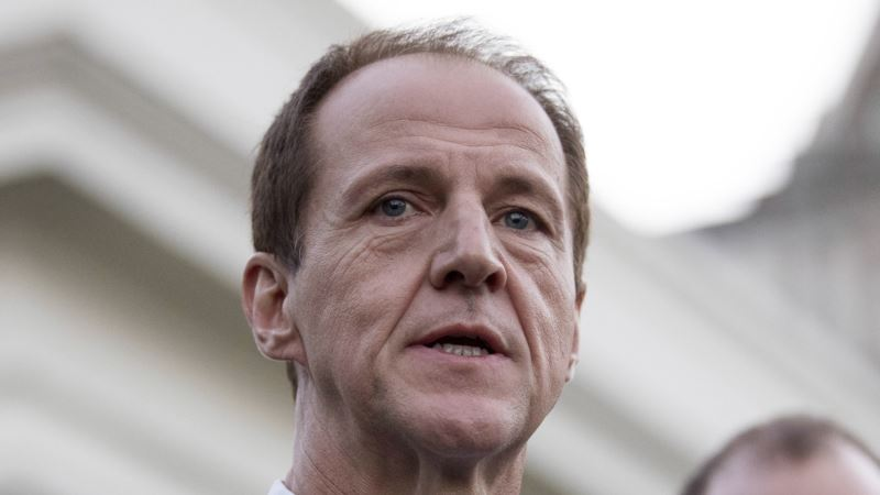 Koch Chief Calls Senate Health Bill Insufficiently Conservative