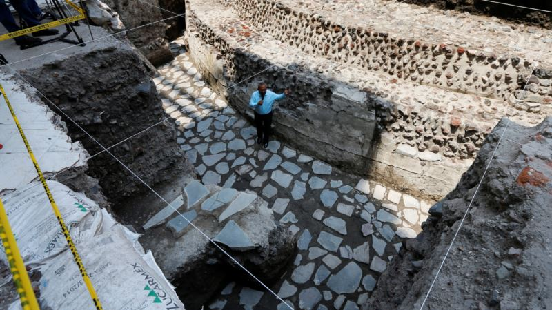 Archaeologists Discover Aztec Ball Court in Heart of Mexico City