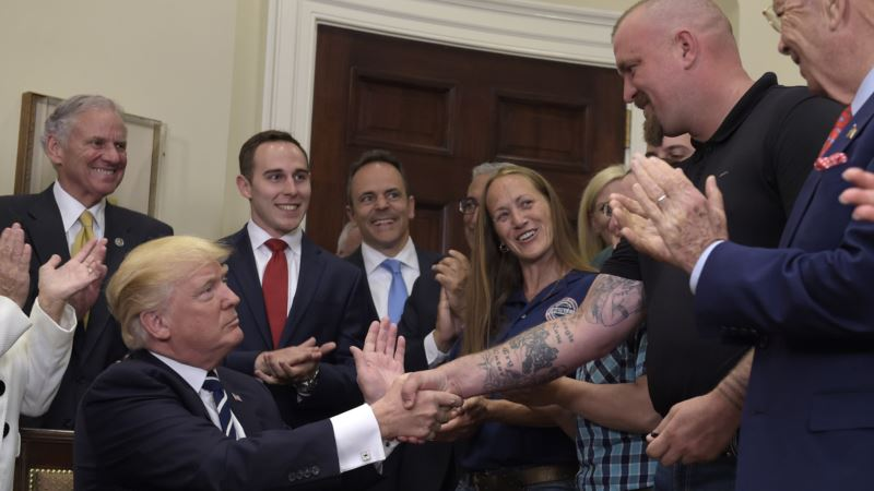 Trump Orders More Cash, Industry Input, for Apprenticeships
