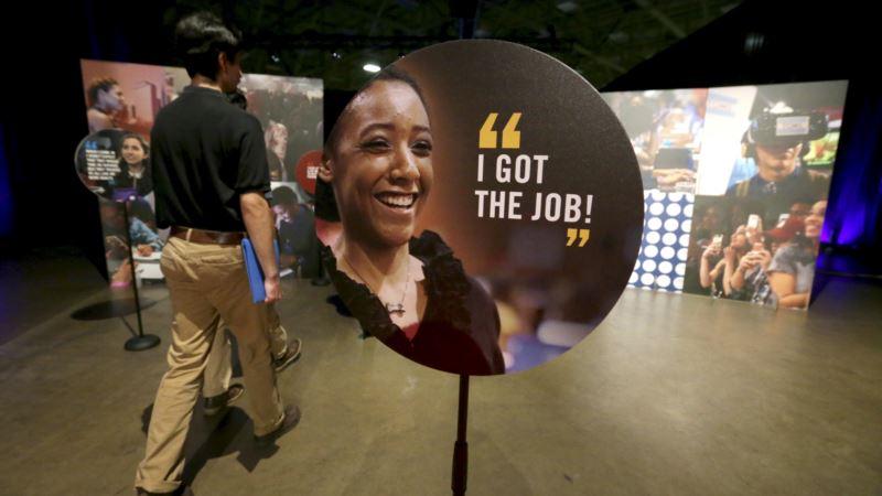 Reports: US Job Market Stronger, But Credit Card Bills Rising