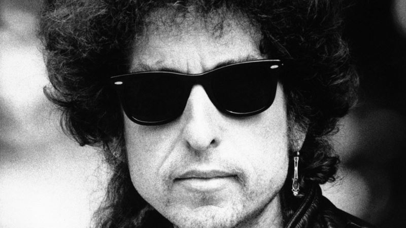 With 'Like a Rolling Stone,' American Folk Hero Bob Dylan Revolutionized Musical Landscape