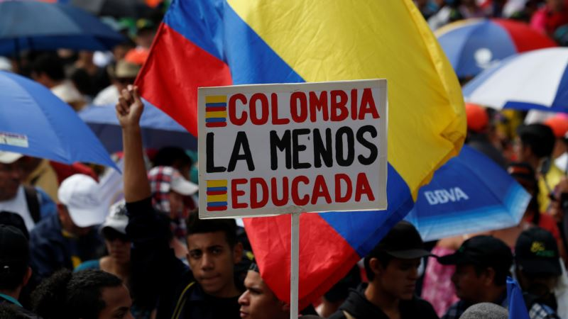 Colombia to Up Public Sector Wages by 6.75 Percent, as Teachers Strike