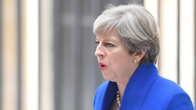 Business Confidence Plummets as Political Crisis Grips Britain