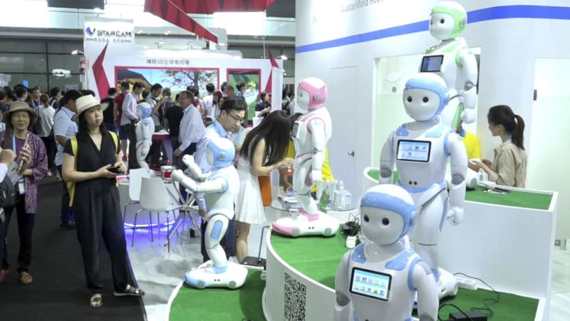 Companion Robots Featured at Shanghai Electronics Show