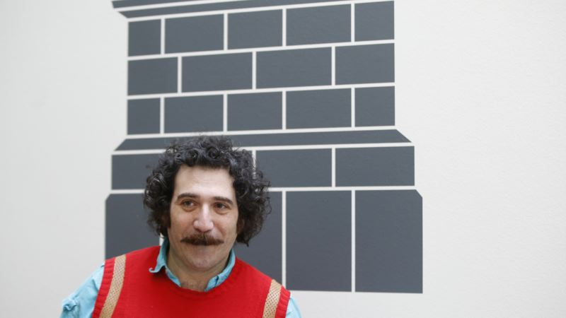 US Sculptor Focuses London Exhibit on Iraq, Syria Conflicts