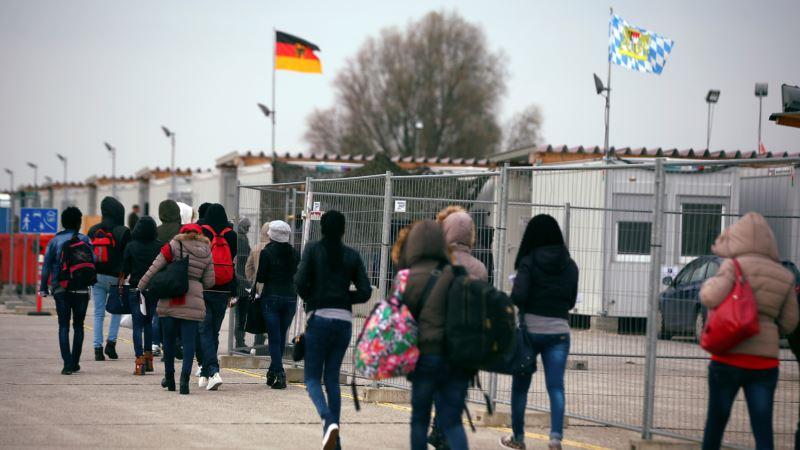 UN Report: Migrants Sending Billions More Home Than in 2007