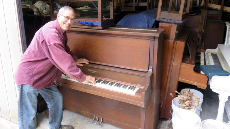 US Piano Sellers Change Their Tune to Stay in the Money