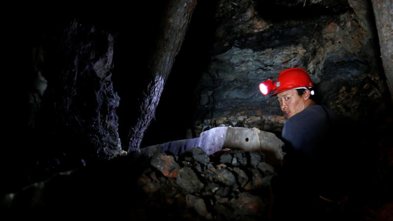 Coal Mine Crackdown Dims Prospects for Mongolia's Fortune Seekers