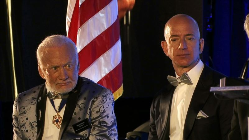 Buzz Aldrin Sets Nation's Sights on Mars by 2040