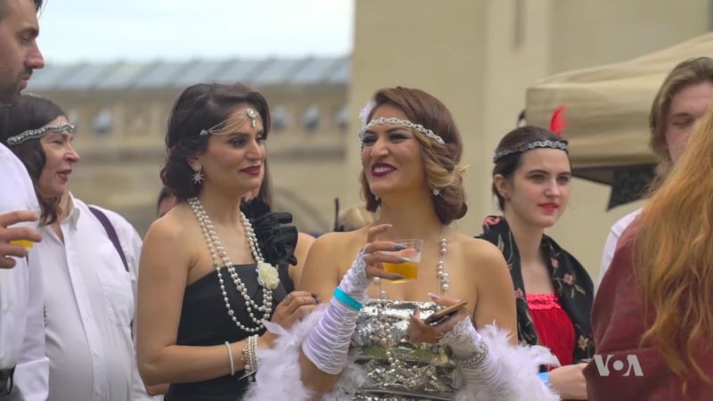 Gatsby Theme Party Turns Back the Clock