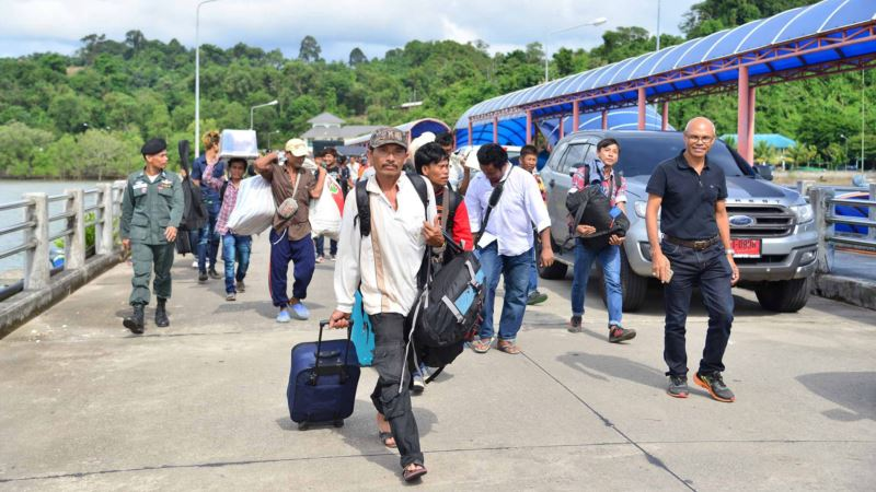 Thai PM Halts Migrant Labor Law After Protests