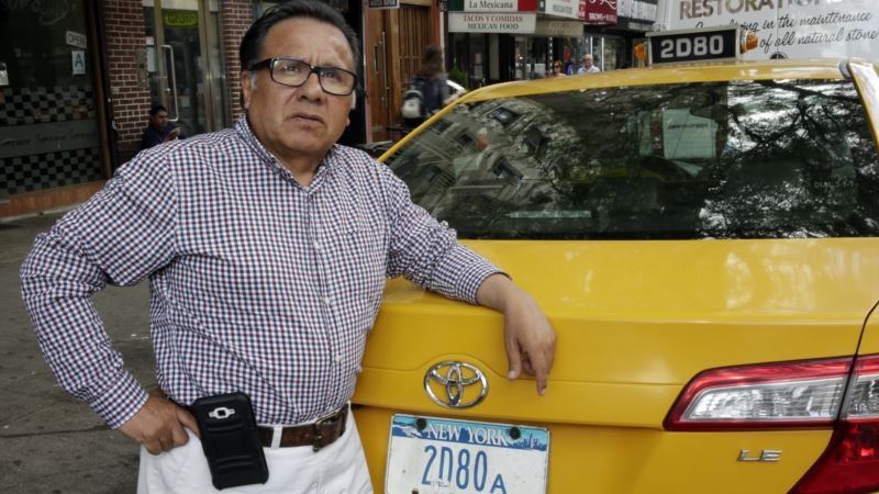 Uber, Lyft Bankrupting Cab Drivers and Their Lenders