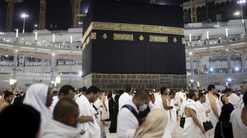 WHO Warns of Cholera Risk at Hajj, Praises Saudi Preparedness
