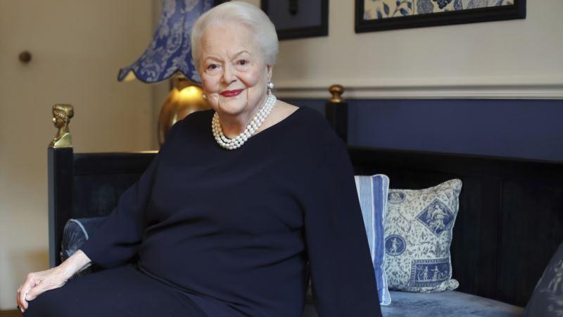 Actress De Havilland Sues Over Her Depiction in 'Feud'
