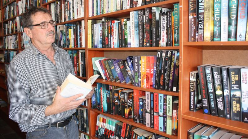 Used Book Sales Boom in S. Africa as Economic Recession Bites