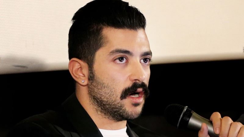 Lebanese Rock Singer Urges Men to Champion Women's Rights in Middle East