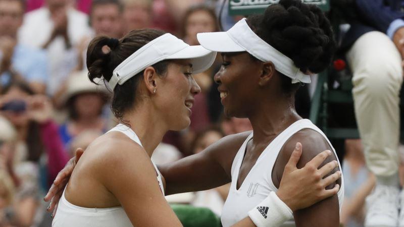 Spain's Muguruza Defeats Venus Williams to Win Wimbledon