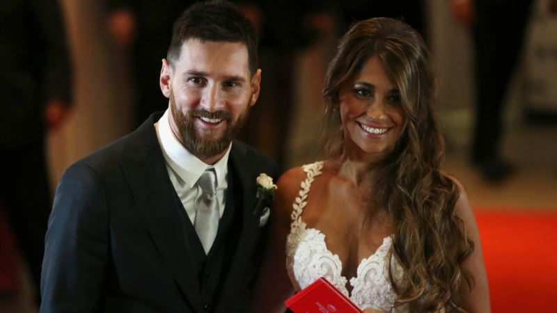 Argentine Soccer Star Messi Returns Home to Wed Childhood Sweetheart