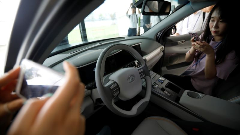 Hyundai Will Launch Pickup, More SUVs to Reverse US Sales Slide