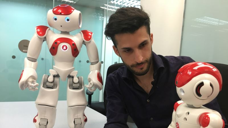 Researchers: Robot Makers Slow to Address Danger Risk