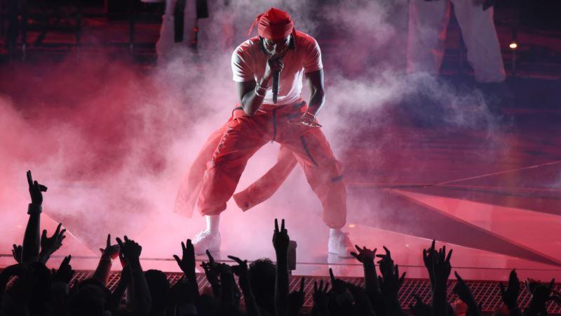 MTV VMAs Full of Emotional, Political Moments; Lamar Wins 6