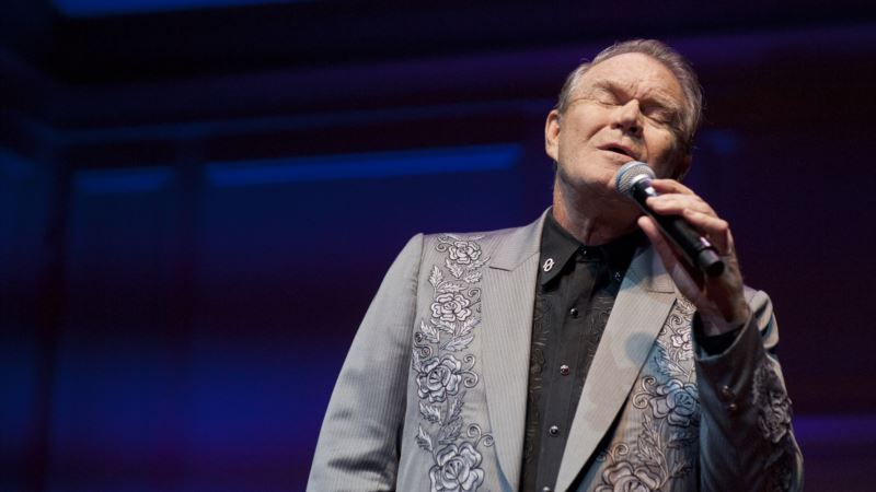 Glen Campbell, Superstar Entertainer of 1960s and '70s, Dies