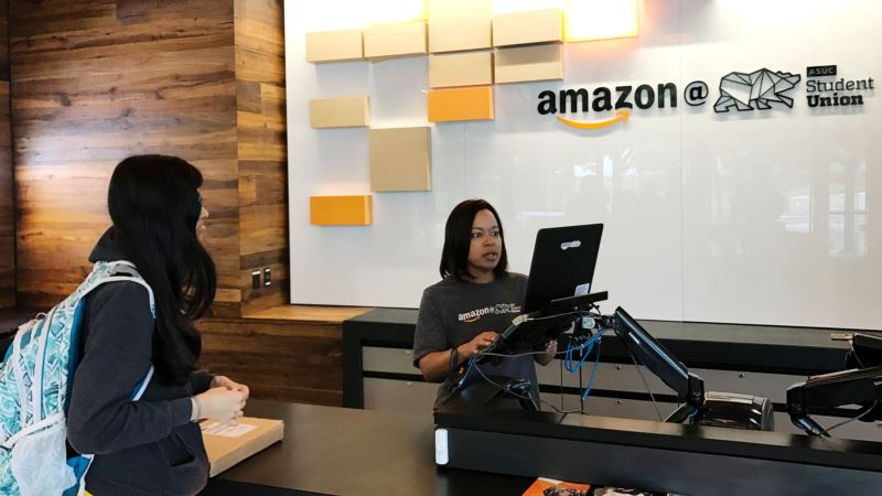 Amazon Opens 'Instant Pickup' Points in US Brick-and-Mortar Push