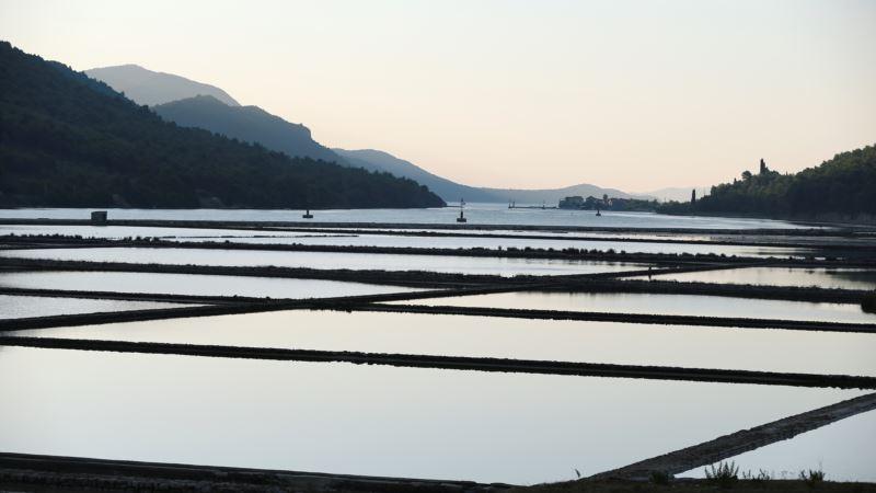 In Croatia, Harvesting Salt the Centuries-old Way