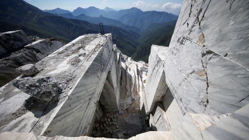 Michelangelo's Unrealized Marble Dream Comes True in Italian Quarry