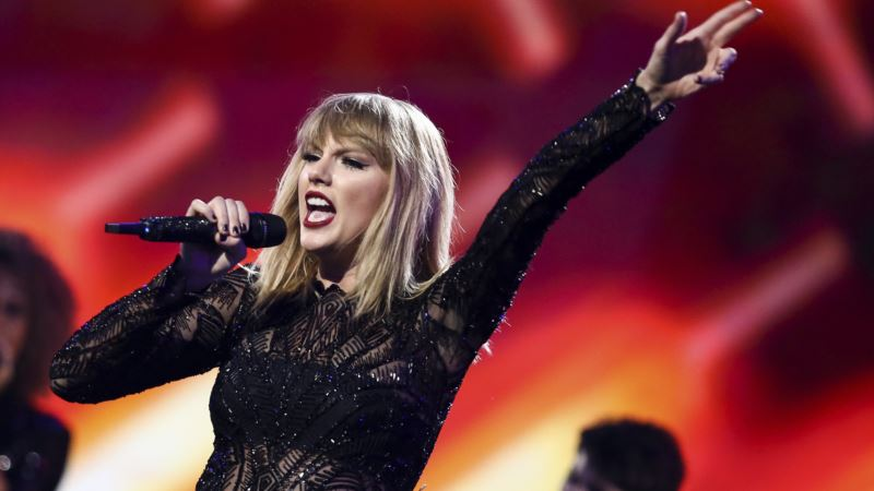 Taylor Swift Wins Groping Trial Against DJ, Awarded Symbolic $1