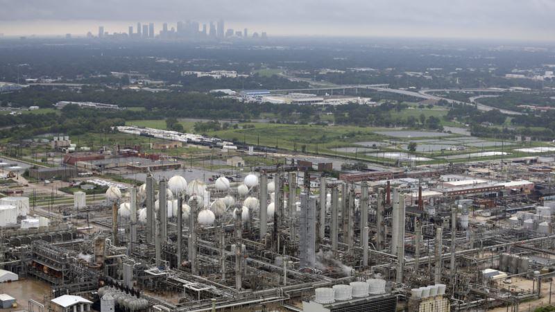 Houston Toxic Waste Sites Flooded, Yet EPA Not on Scene