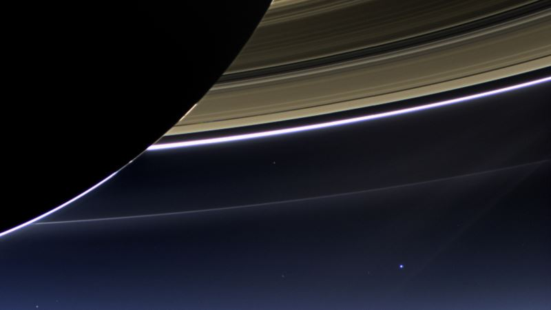 NASA's Cassini Spacecraft Takes 'Death Dive' Into Saturn