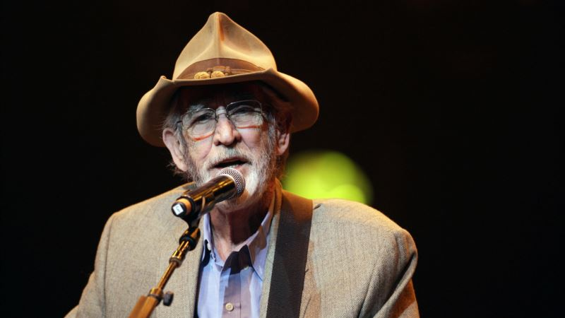 Country's 'Gentle Giant' Don Williams Dies at 78