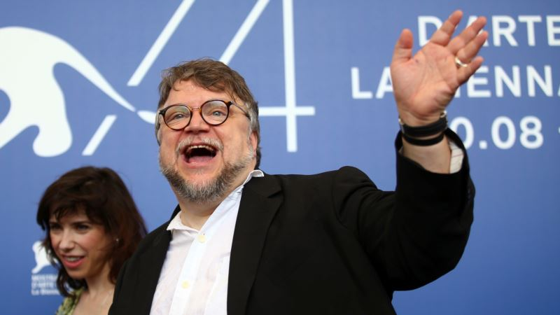 Del Toro's 'The Shape of Water' Makes Waves in Venice
