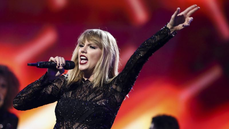 Taylor Swift Shakes Off Copyright Lawsuit as 'Ridiculous'