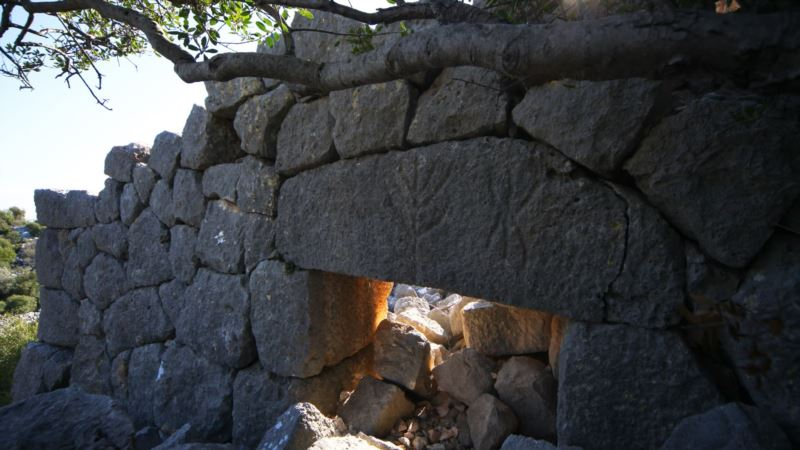 Real-life Indiana Jones Finds Ancient Religious Sites in Turkey